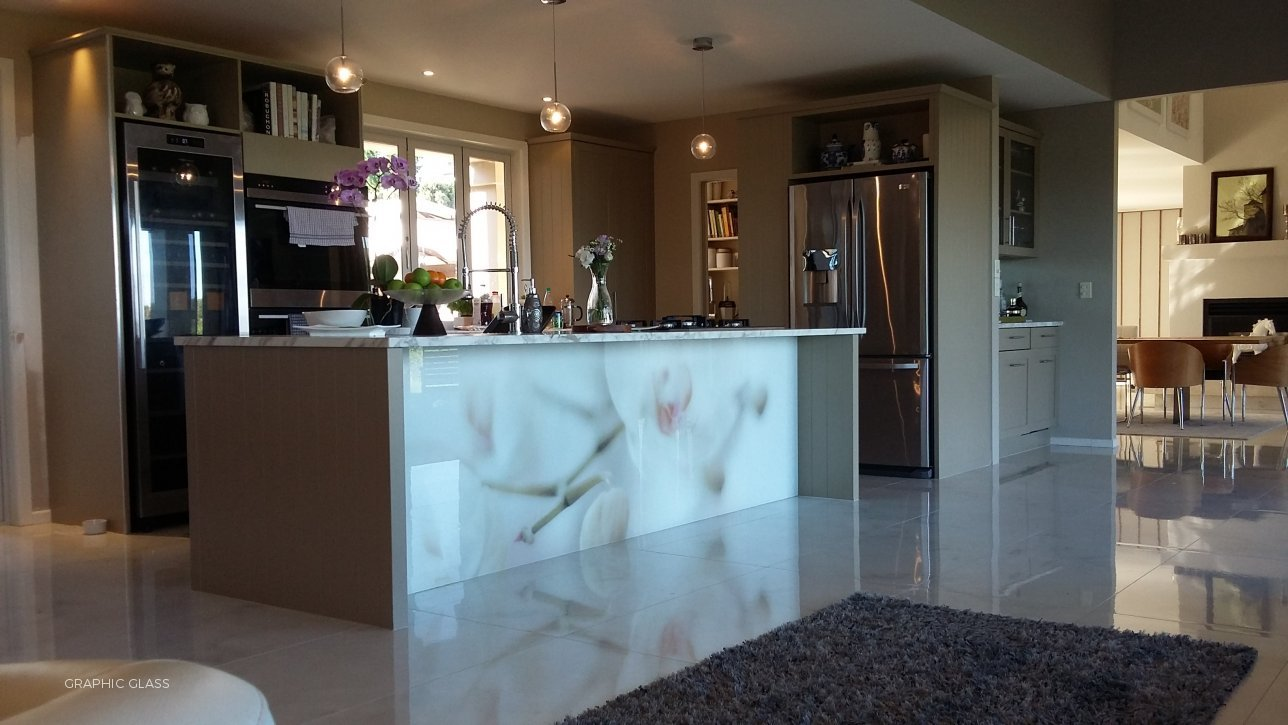 Residential Graphic Glass Solutions - Splashbacks by Graphic Glass