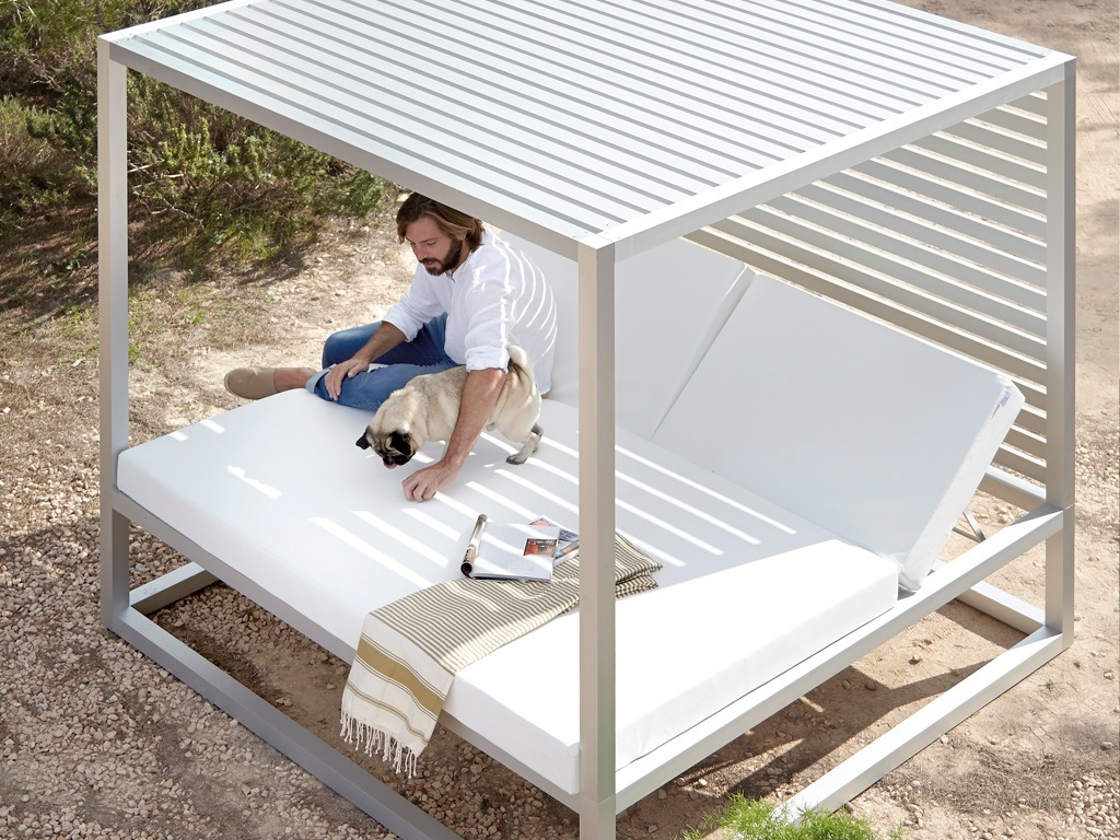 Picture of: Raised Reclining Daybed Outdoor Nz Archipro