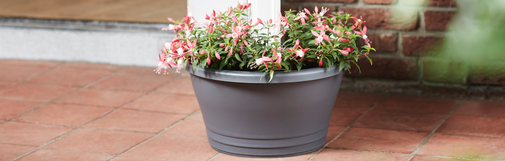 Planters As A Solution: Smart Tips For Outdoors