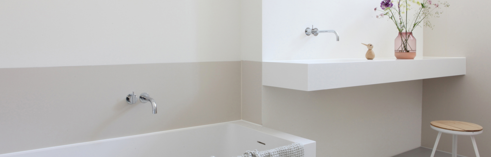 Basins & vanities for small bathrooms