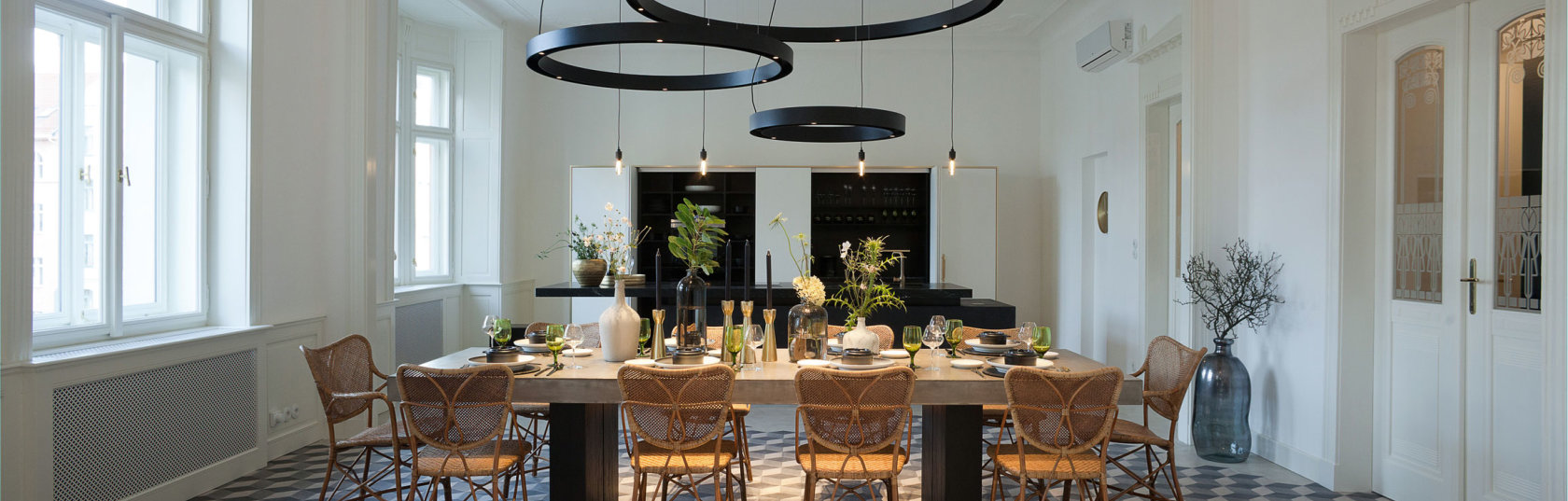 Lighting design: different style ideas for lighting above your dining table