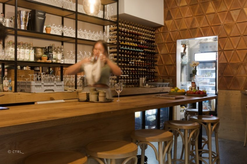 A new mezcal and wine bar in Snickle Lane off Auckland's Custom Street East, La Fuente's warm and inviting ambiance is in part due to an interior that's a celebration of wood.