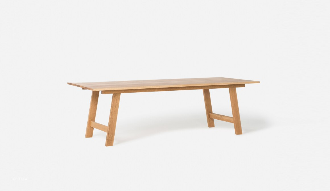 Hut Table